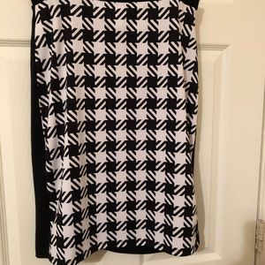 Micheal Kors Black and White Houndstooth Skirt